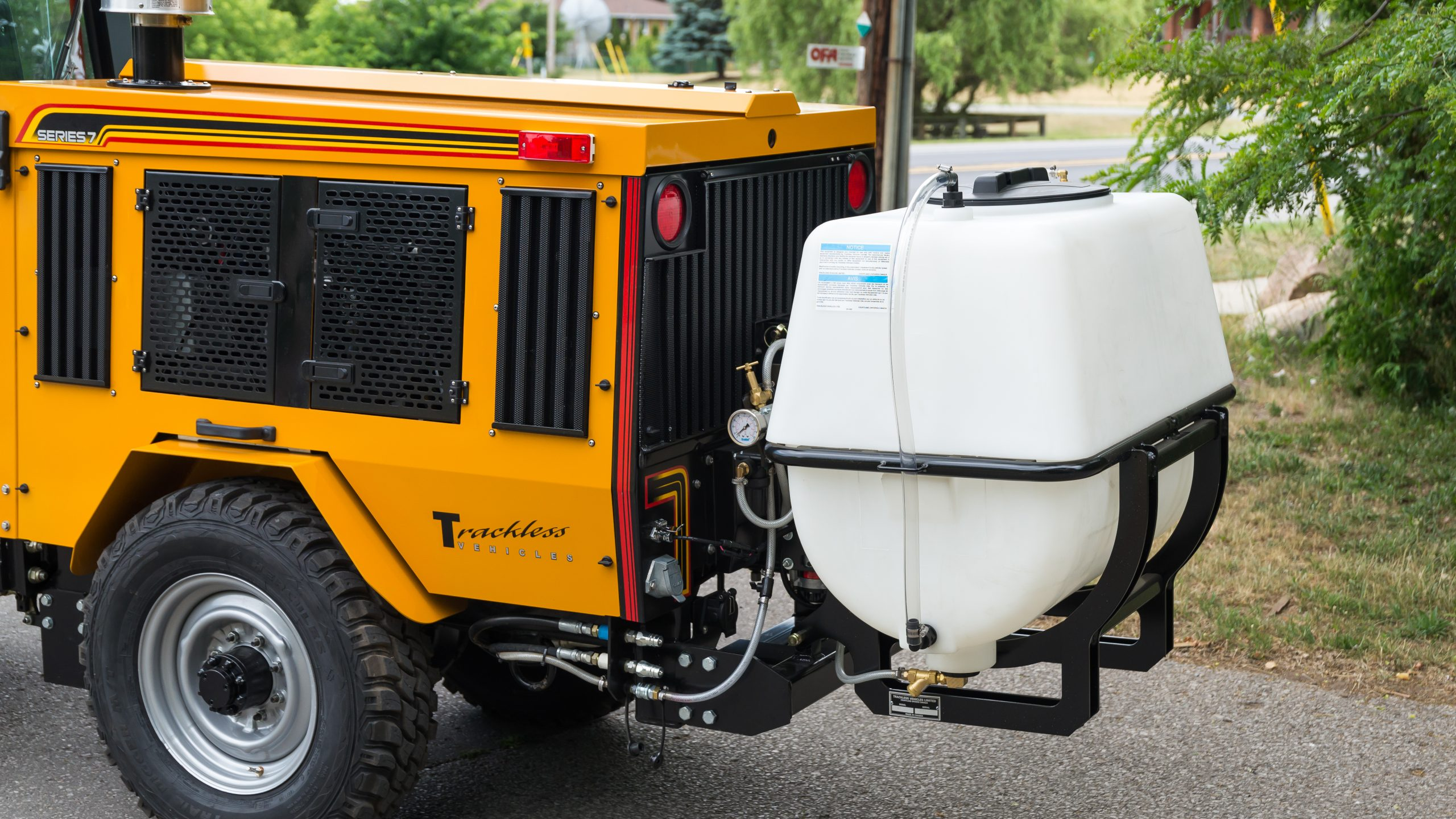 trackless vehicles water tank attachment close up