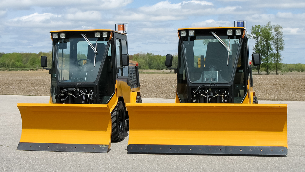 trackless vehicles angle snowplow attachment on sidewalk tractor blade width comparison